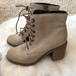 ALDO tan leather boot booties lace up 9